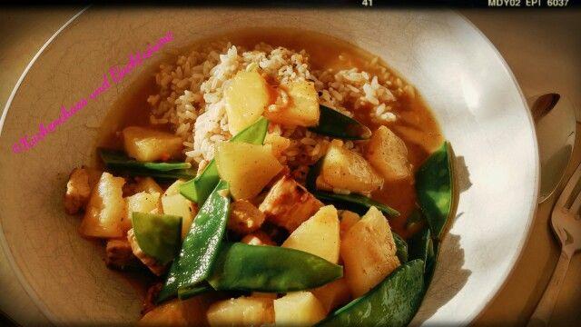 Fruchtig-scharfes Putencurry mit Reis