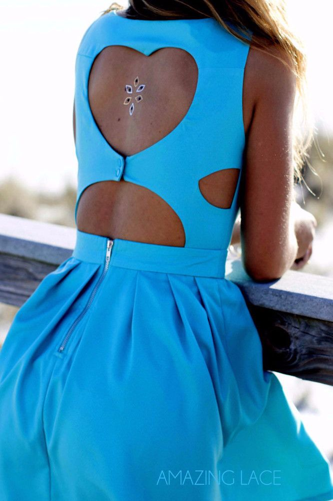 Did you know the star blue Quartz is Alabama's official gemstone? Visit Alabama and show off this beautiful blue dress from Amazing Lace!