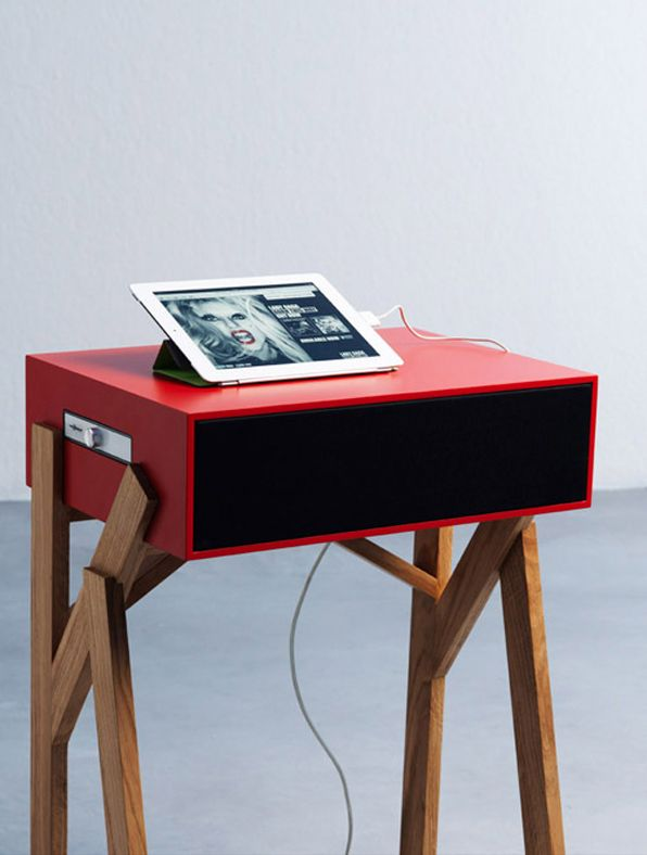 torototela micro desk with speakers by paolo cappelo design