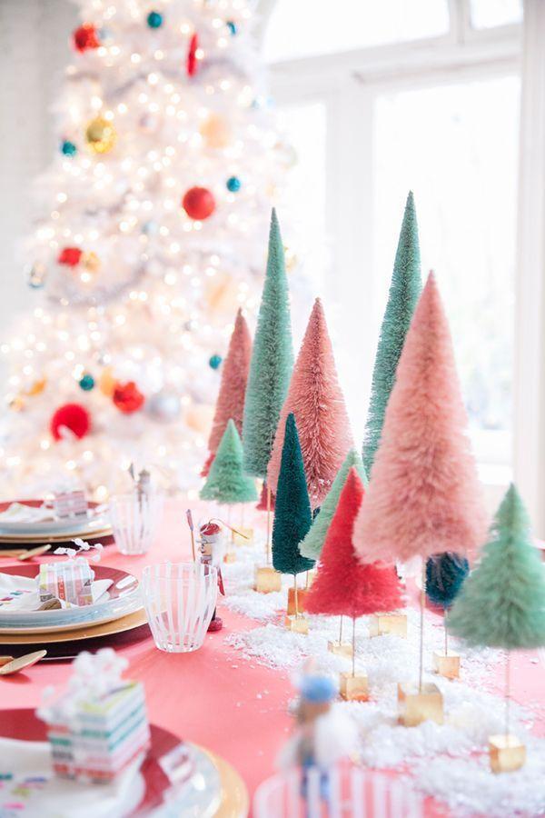 des idées pour votre table de Noël 2016 | Une table de Noël girly avec ses sapins colorés