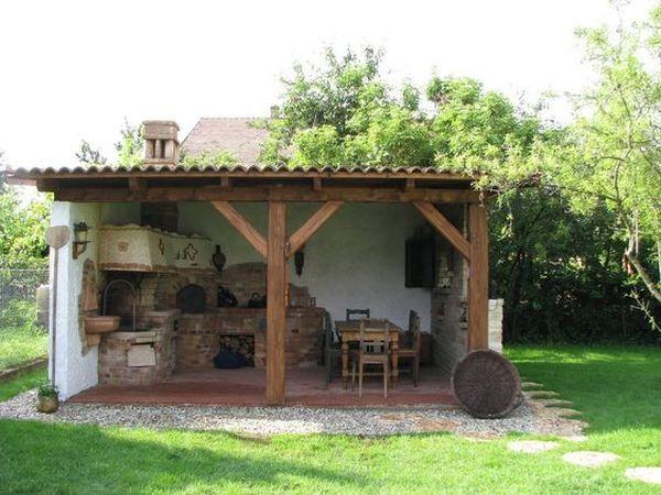 Bucatarii rustice de vara 14 idei de amenajari for Outdoor kitchen shed