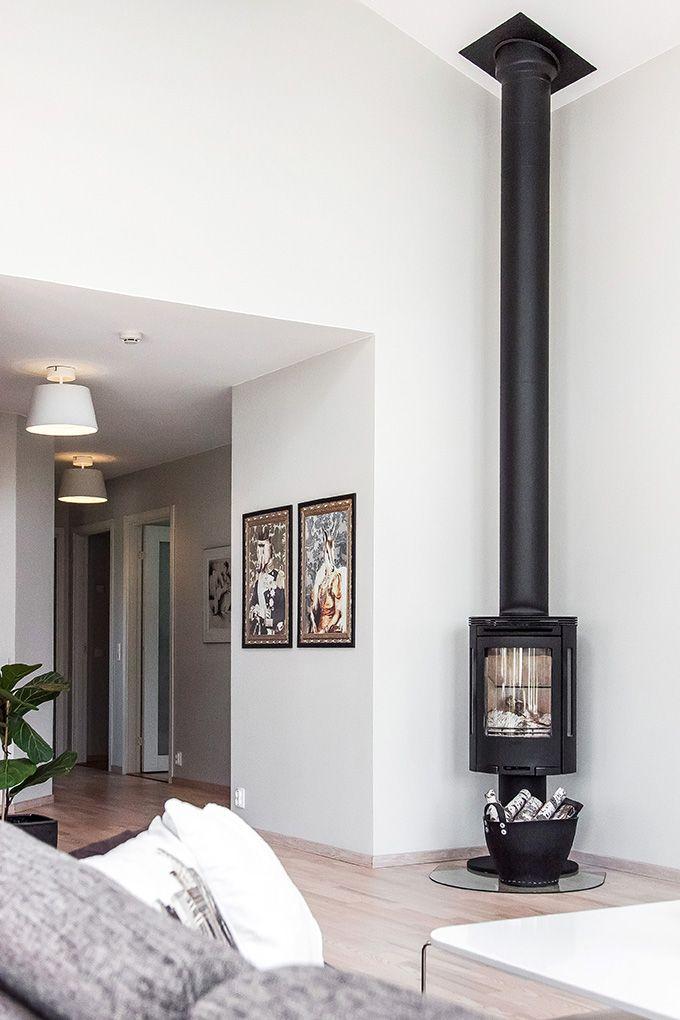 vardagsrum med h rlig rymd och en h rnplacerad kamin p pelare fr n contura home pinterest. Black Bedroom Furniture Sets. Home Design Ideas
