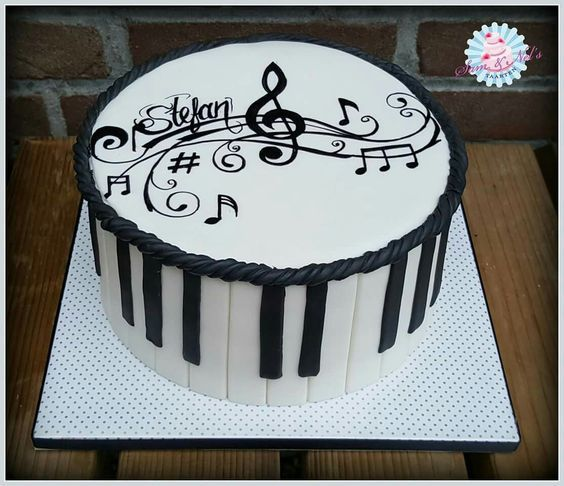 Publicado Notas With Images Music Birthday Cakes Music Cakes