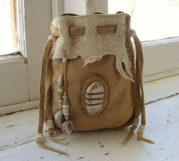 BUCKSKIN BILL deerskin Medicine Bag Spirit Pouch with deer antler and antique trade beads