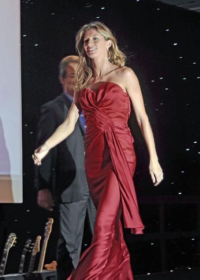 Inspire se nos Vestidos de Festa da top Gisele Bündchen fotos
