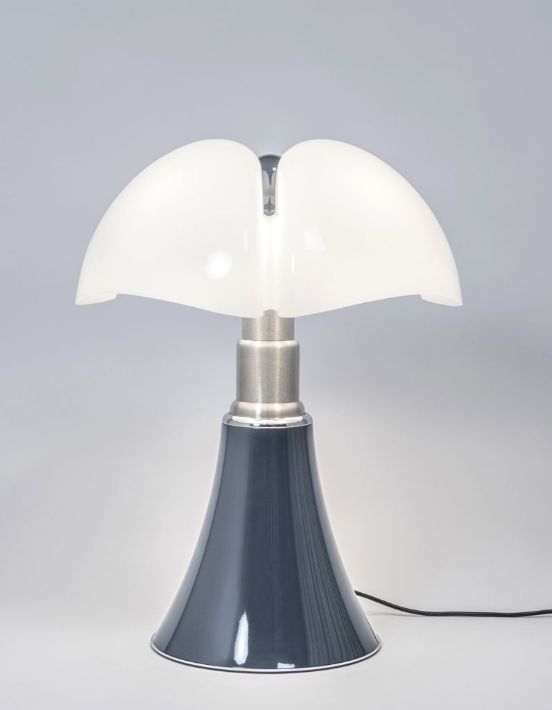 Lampe Pipistrella Elledécocrush L Iconique Lampe Pipistrello Passe En Mode Denim