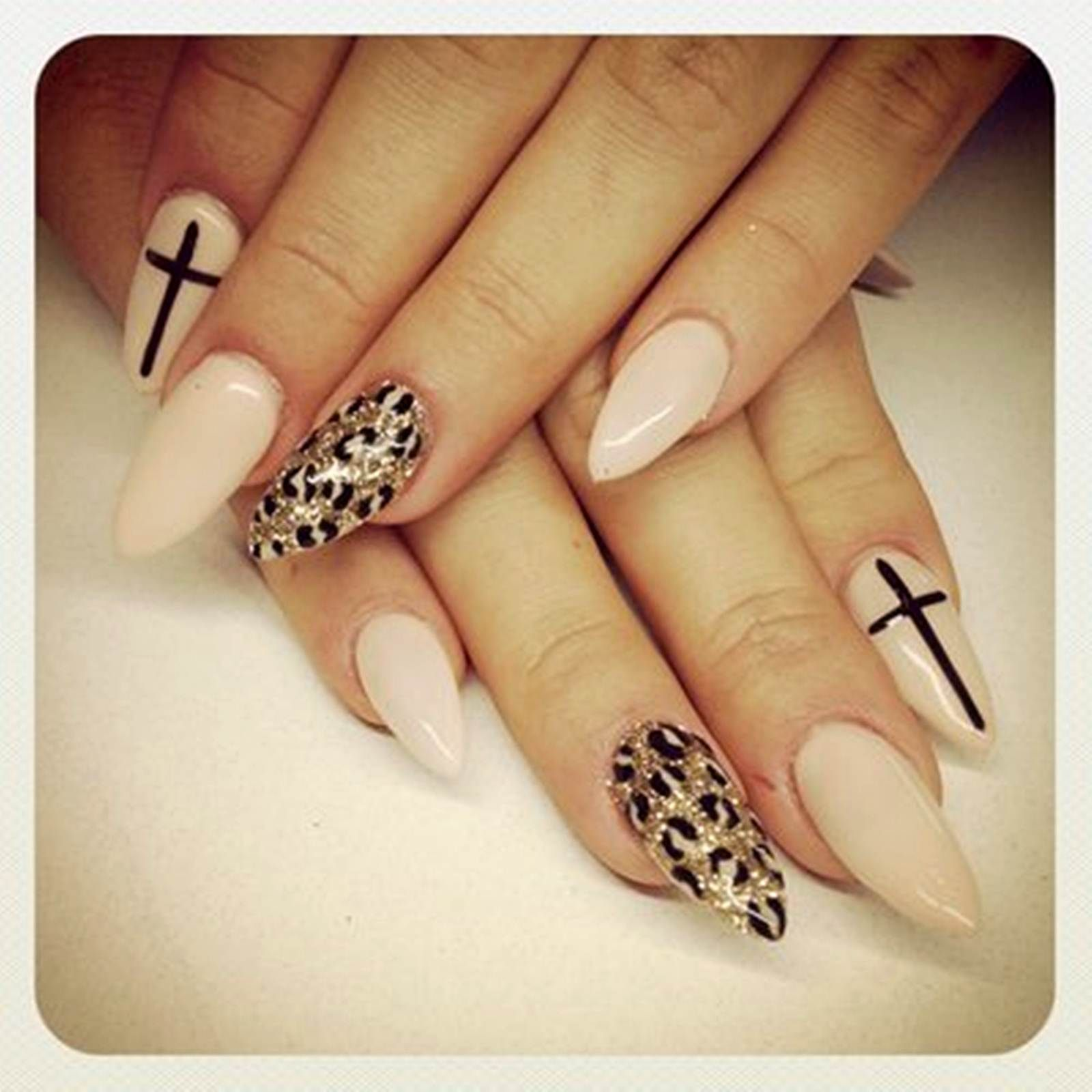 Nail Art: Acrylic Nails At Home For Glamorous Tred And Change The ...