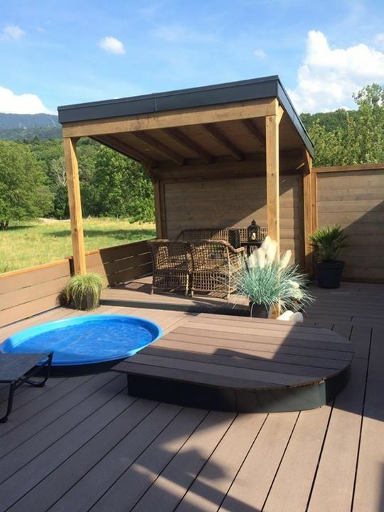 Aménagement de terrasse avec intégration de petite piscine pour