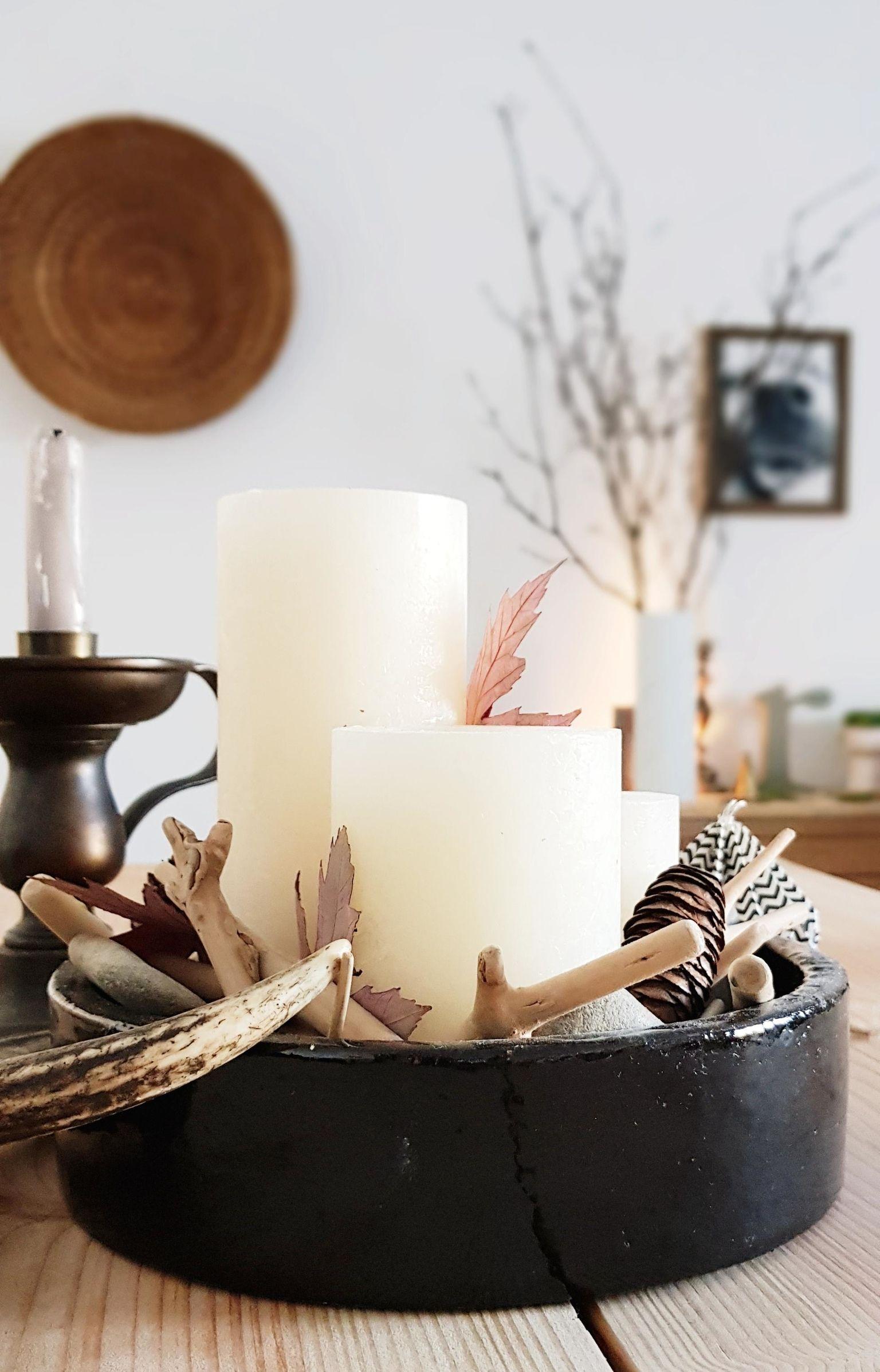 Herbstdeko Idee Von Solevita: Einfach Das Kerzentablett Mi Blättern, Holz  Und Tannenzapfen Auffüllen