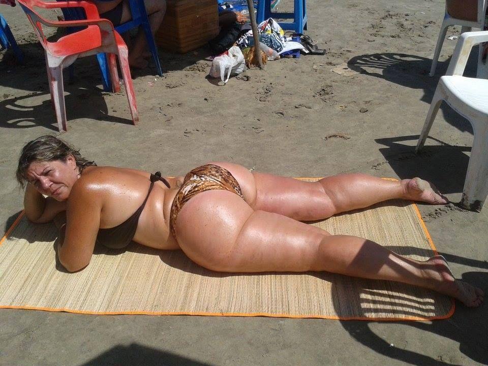 Bbw ass beach