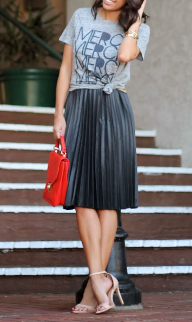 d25e6f7127 Styling graphic tee with a pleated midi skirt. | Ⓢ Style Envy ...