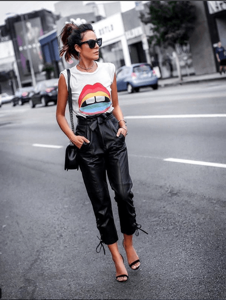 20+ Best Outfits Fashion Ideas For Women - OutfitCafe #leatherpantsoutfit