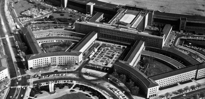 Joshua Blackman Flughafen Berlin Tempelhof Berlin Tempelhof Flughafen Tempelhof