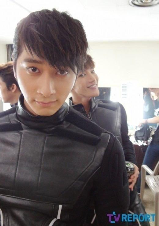 Хван Чан Сон 황찬성 Hwang Chan Sung (2PM) День рождения: 11.02.1990