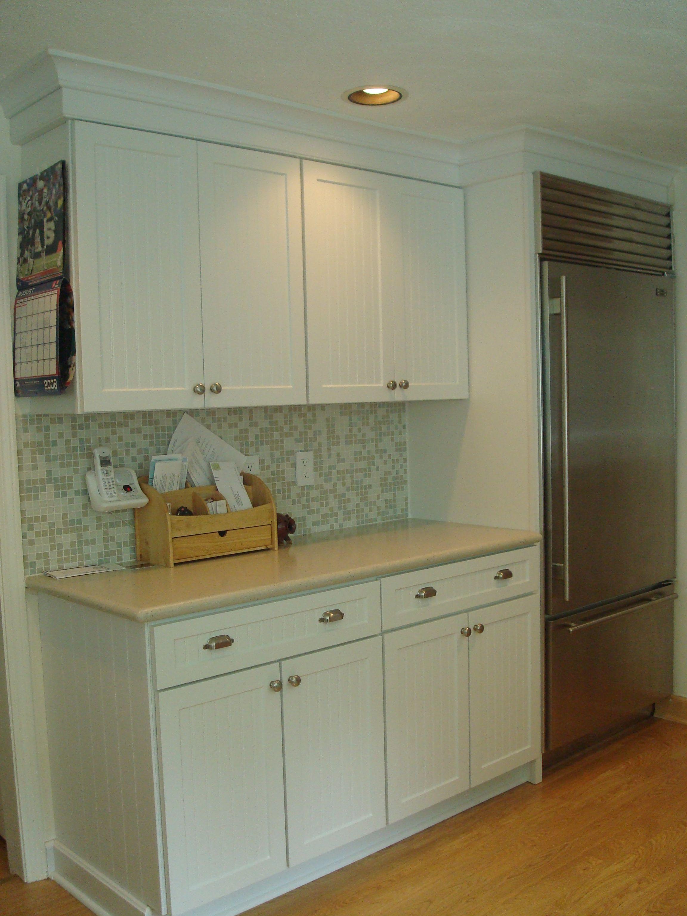Kraftmaid Polar Ridge Corian Silver Birch Kitchen Must Haves Kitchen Cabinets Kitchen