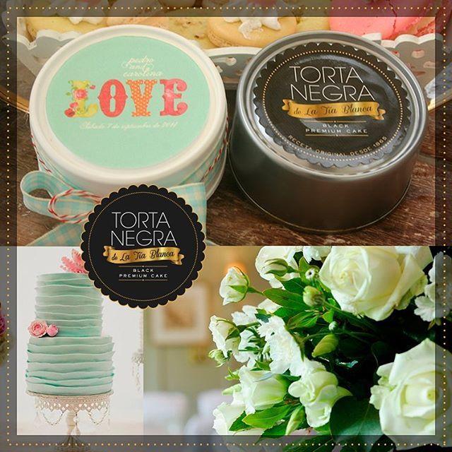 Una boda inolvidable está llena de detalles simples como los recordatorios. Te propongo una lata de mi #TortaNegra, el mejor regalo para los amigos que te acompañan en cada momento. Imagen vía: https://goo.gl/iQTnEp  #TortaNegraDeLaTíaBlanca #bodasdestino #boda #BodasAlAireLibre #BodasCampestres #Eventos #weddingplannner #weddingplanning #weddingtips #boda #wedding #timetoparty #celebration #weddingreception #weddingparty #destinationwedding #bodascolombia #bodasmedellin #tuboda…