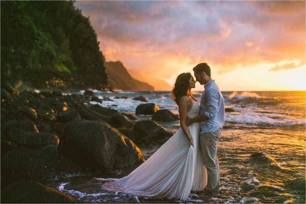 Ke E Beach Kauai Elopement Wedding Couple At Sunset Napali