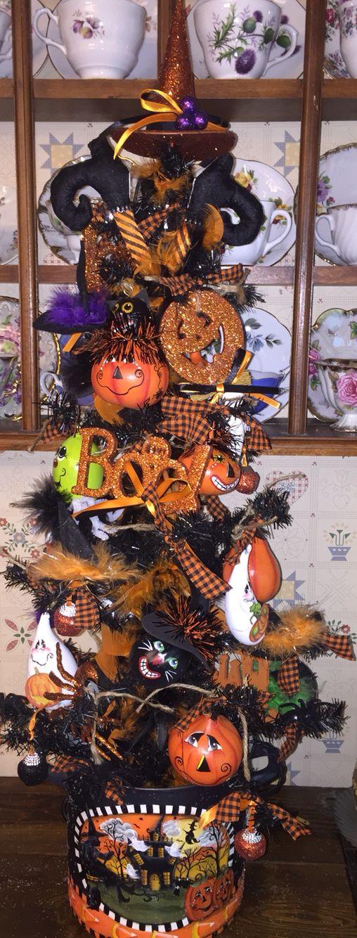 Halloween Tree created by Lisa Stuckey Halloween
