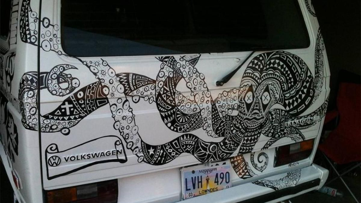A VW van owner let friends and neighbors decorate his van with sharpies... #60snostalgia