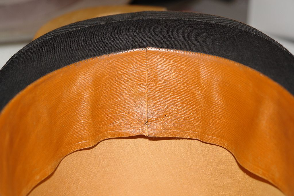 From an old mayser top hat older hats have the join of