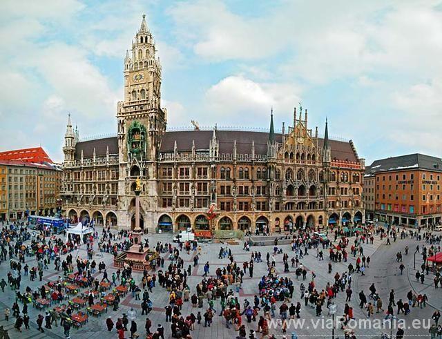 Marienplatz Munchen Bavaria Germania Munich Attractions Visit Munich Europe Travel