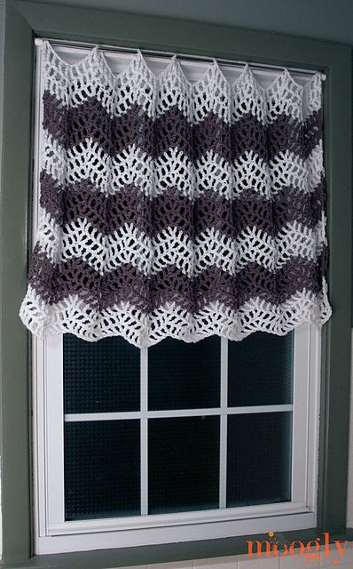 10 Free #Crochet Curtain Patterns - Collection by Moogly!   Cortinas ...
