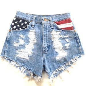 high-waisted shorts. Flag:)