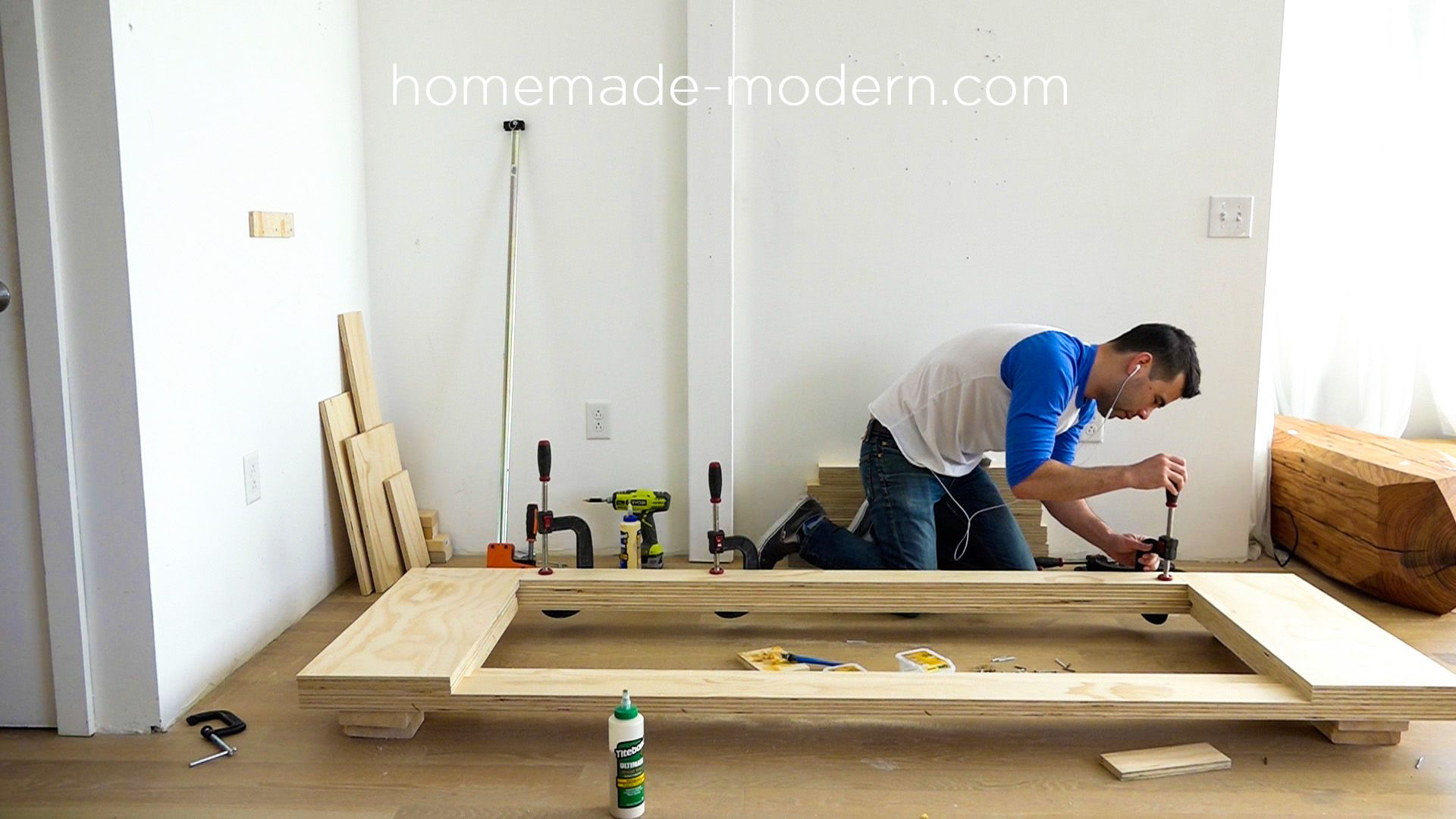 Sensational This Diy Modern Plywood Sofa Is Made Out Of 2 1 2 Sheets Of Machost Co Dining Chair Design Ideas Machostcouk
