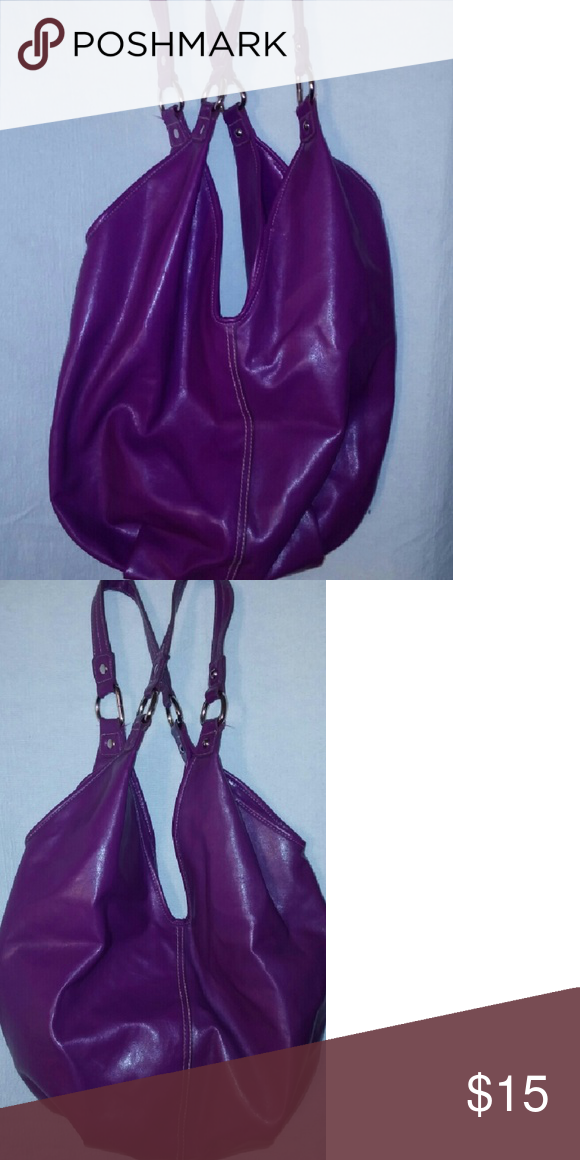 Purple Hobo Bag Love Hobo bags they give the appearance of put together effortlessly. Great purple hobo bag, in excellent condition. Bags Hobos