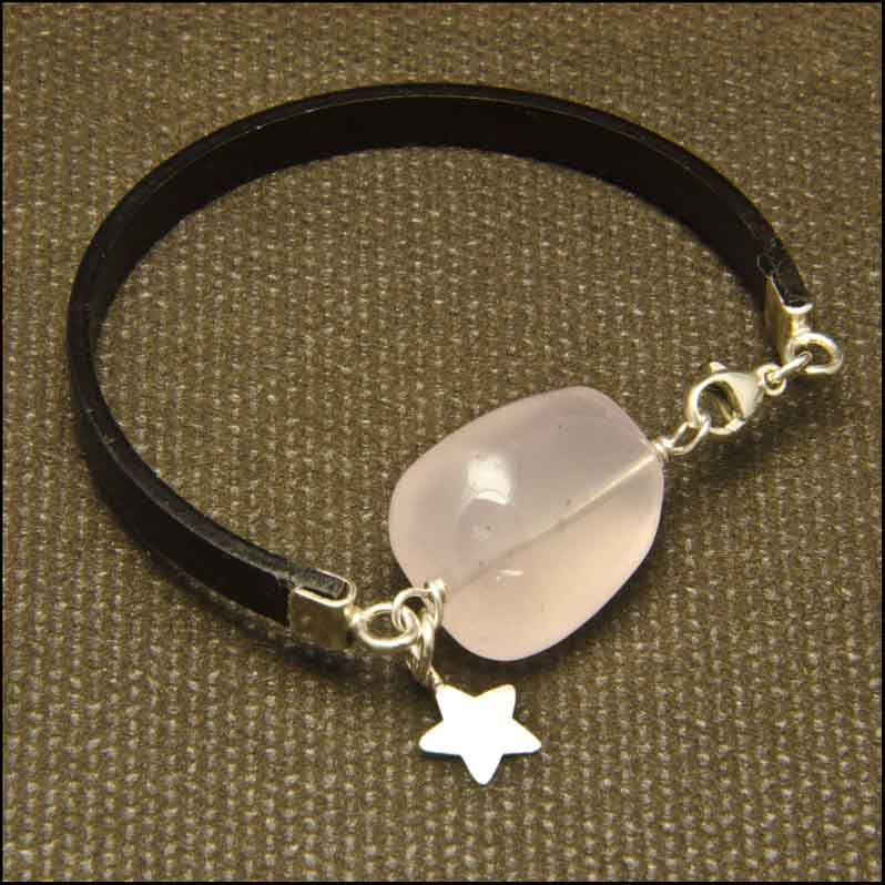 25b37d359fd2 Pulsera de cuero cuarzo rosa y plata. Joyería Artesanal Personalizada