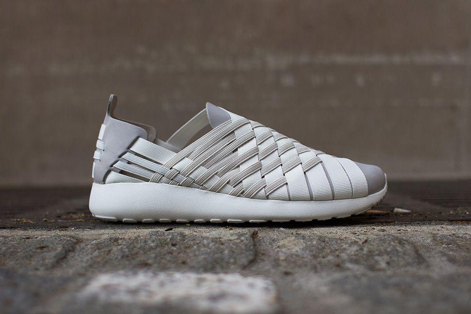 ae4a14c50fb2 Nike WMNS Roshe Run Woven 2.0