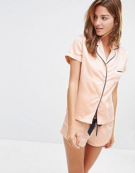 5c6bab38ee Bluebella Abigail Short Pajama Set