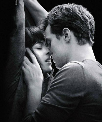 An Actual Submissive Reviews 50 Shades Of Grey Cinquenta Tons De