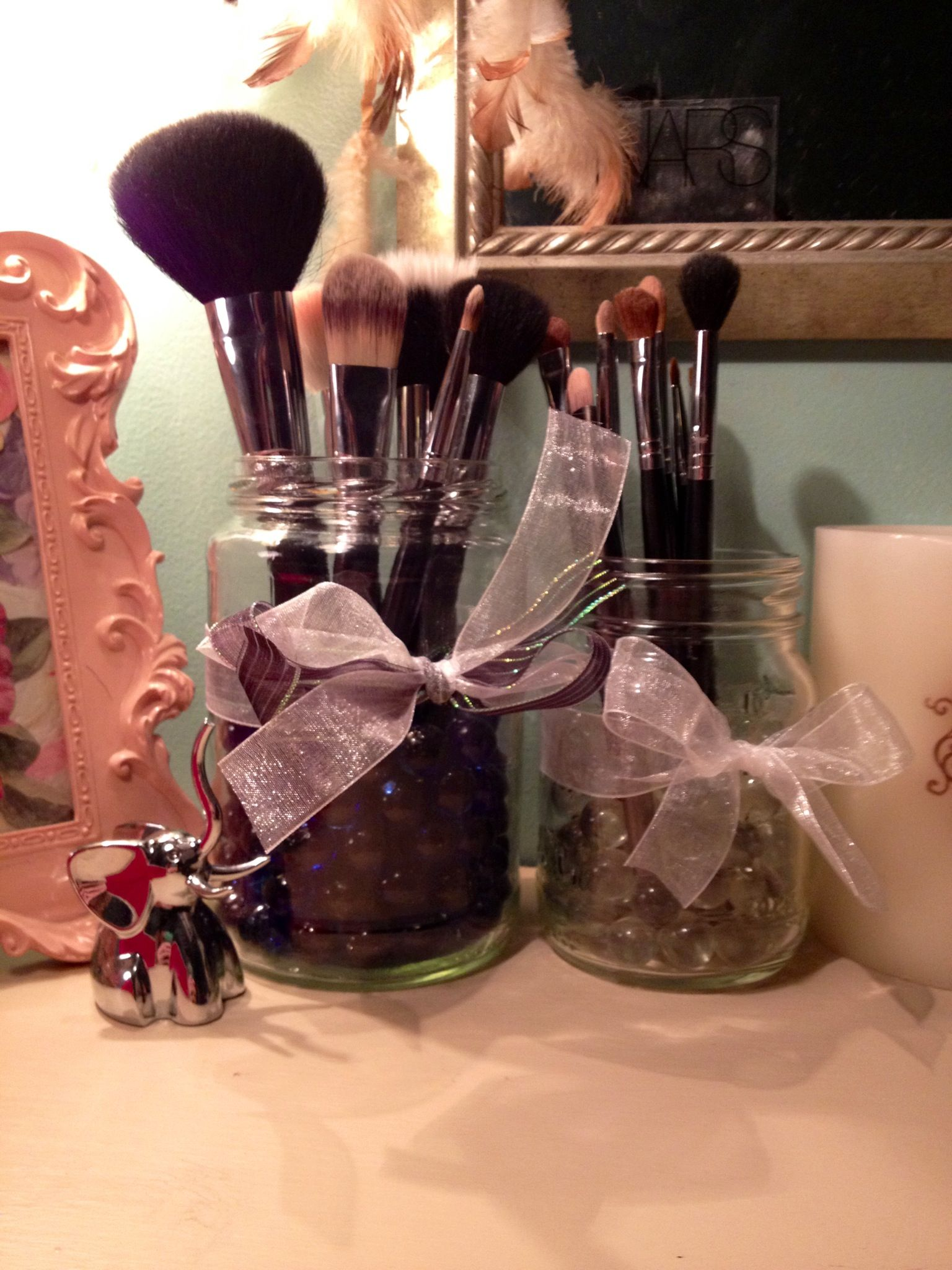 How to organize your makeup brushes; Get a jar and full it