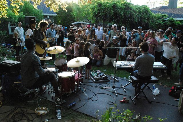 Tips on Hosting Your Own Backyard Concert | Concert decorations