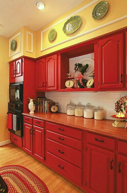 Pin By Debbie Olson On Cottages Cranberry Cove 1 Red Kitchen