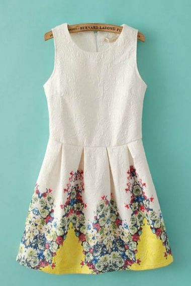 Adorable Sweet Floral Print Sleeveless Cotton Dress with just a bit of Yellow! So Pretty! #Yellow #Floral #Sweet #Summer #Fashion