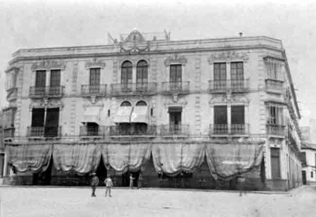 Hotel Suizo en las Tendillas demolido en 1923