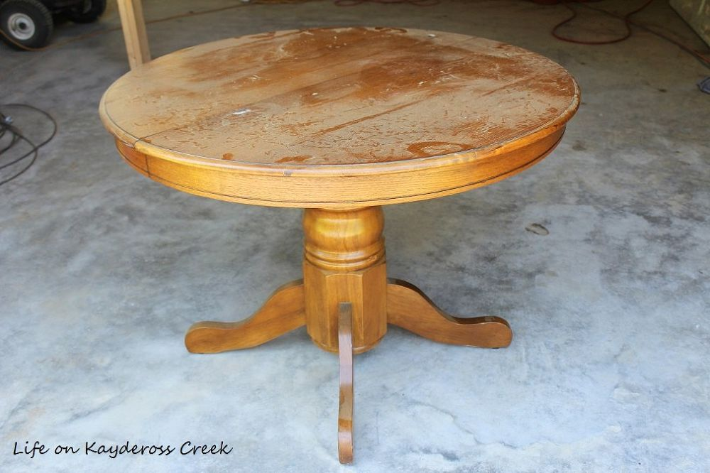 DIY Round Farmhouse Coffee Table is part of Upcycled Crafts Awesome Coffee Tables - I have been looking for a round coffee table for a while now and can not find the size and color I wanted to I decided to DIY it  I bought this old orangey din…