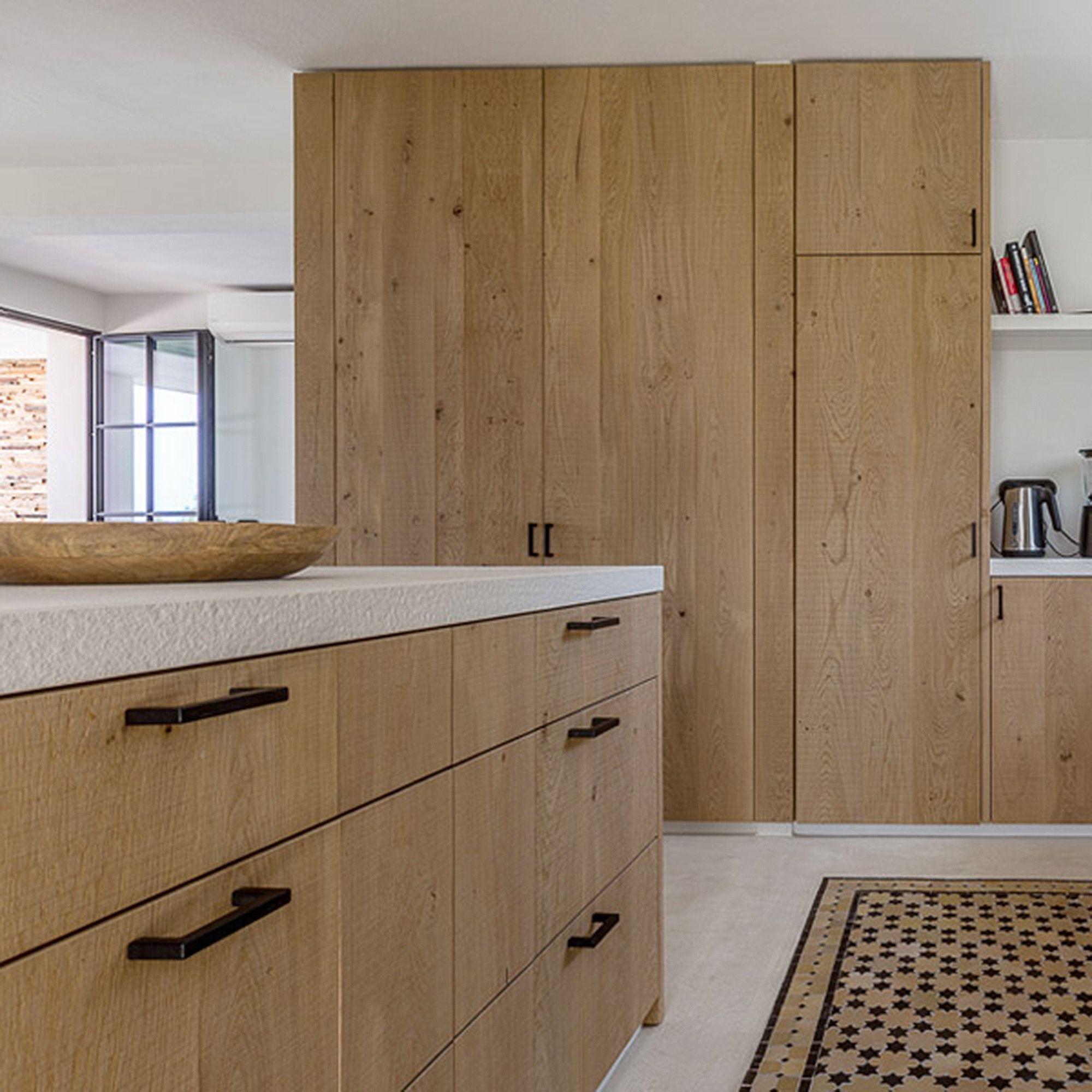 Stevig Houten Tv Meubel.Maatwerk In Steen Staal En Massief Hout Home Decor Furniture