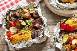 Photo of Foil Packs with Sausage, Corn, Zucchini and Potatoes #tassorecipes