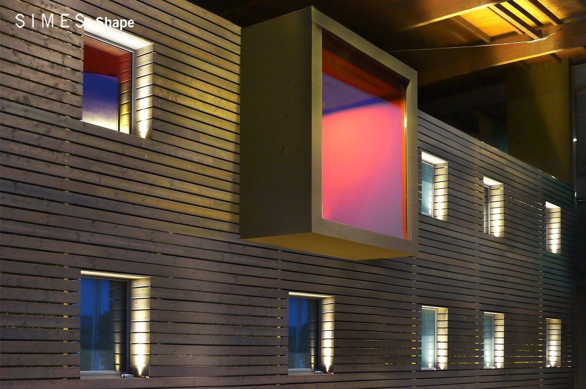 Lampada da parete a led in alluminio shape by simes simes