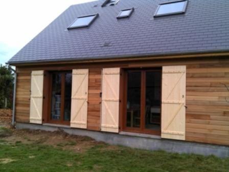 Construction en hors eau   hors air du0027une maison en bois Photos de