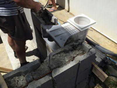 Construction du0027une petite piscine en béton équipée spa Scellement