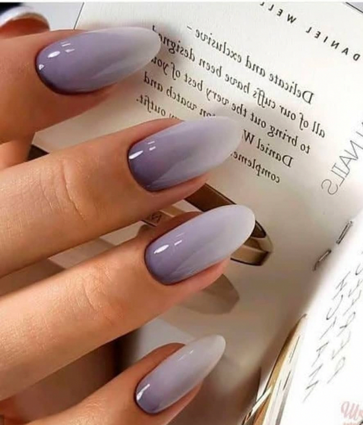 Ombre Purple Acrylic Short Oval Nails Design For Summer Nails Cute Natural Oval Nails For Spring Nails Pu In 2020 Oval Nails Designs Oval Nails Acrylic Nail Designs