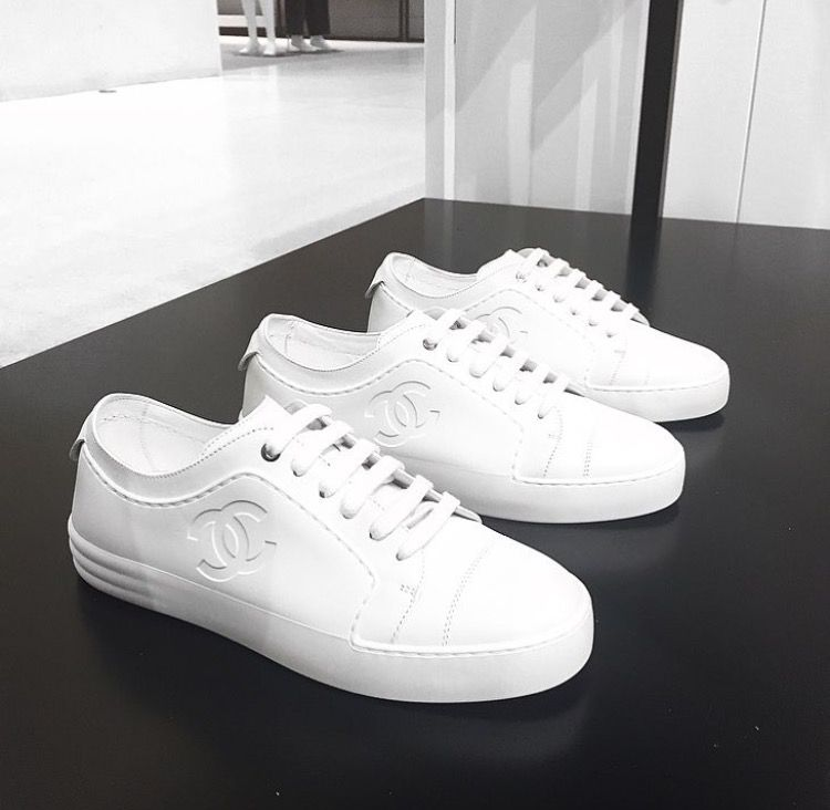 09ce0c400 Chanel white sneakers | Bought in 2019 | Tenis calzado, Zapatos ...