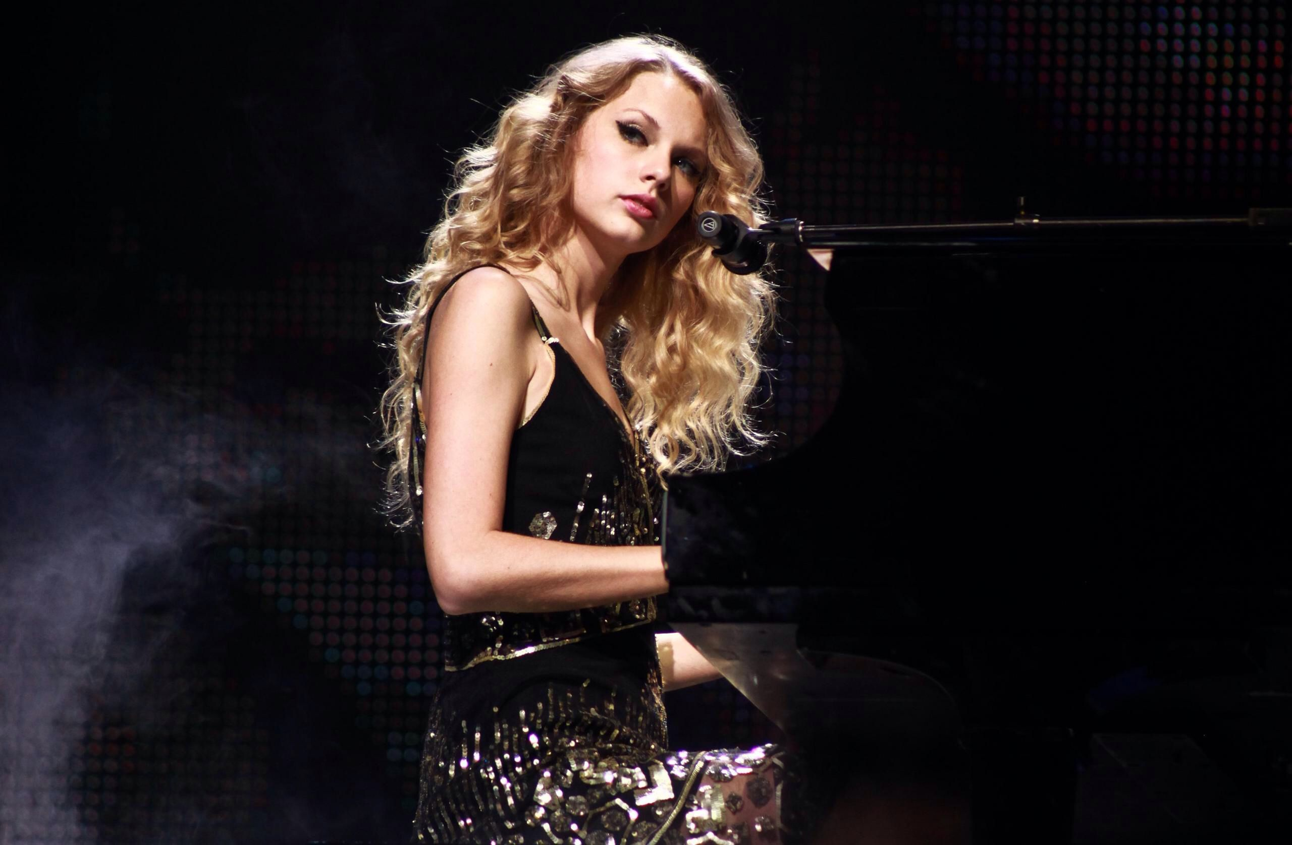 Taylor Swift Fearless Re-Recorded for her lovely fans! Release Date