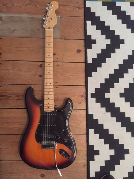 Hi thanks for looking. This is a 1997 US Fender Strat body with a 2015 US deluxe neck. I bought the