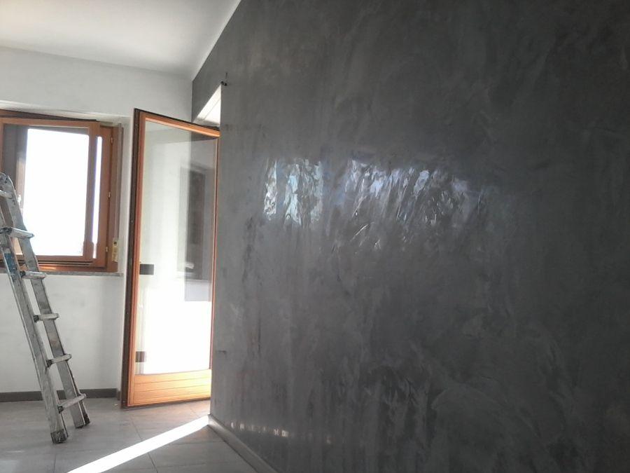 Pareti a stucco veneziano grigio antracite 900 for Stucco veneziano argento