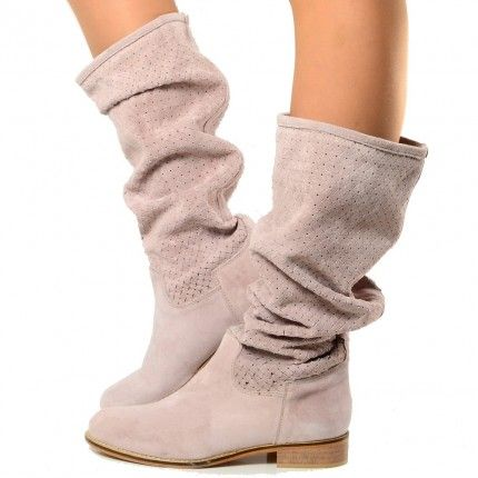 cheap for discount ba498 23adc Pin su Accs: SHOES/Boots & Booties.
